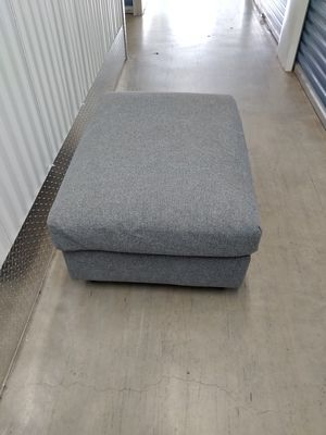 Large Gray Cloth Ottaman for Sale in Lithia Springs, GA
