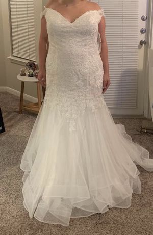 Camilla la Vie Wedding Dress for Sale in Houston, TX