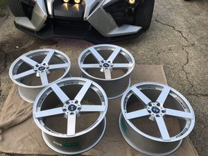 "20"" KOKO KUTURE. 5x114.3. They were going on a Slingshot. Going a different route. Make an offer. for Sale in Mundelein, IL"