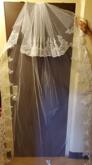 Bridal veil with bridal dress for Sale in Philadelphia, PA