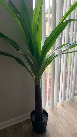 Large fake plant for Sale in Winter Park, FL