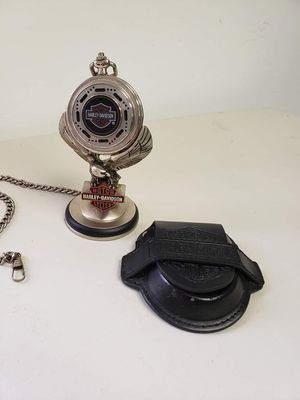 Franklin Mint Harley Davidson Heritage Softail Classic Pocket Watch with Stand for Sale in Pasadena, TX