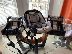 Baby Car Seat with 2 Car bases and stroller adapter for Sale in Miami, FL