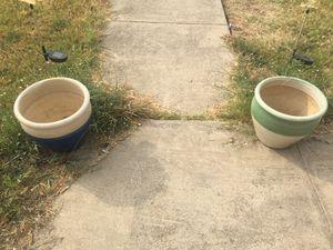 2 ceramic plant pots for Sale in Alvarado, TX