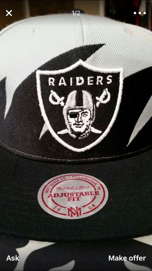 Raider Mitchell and ness hat for Sale in Sanger, CA