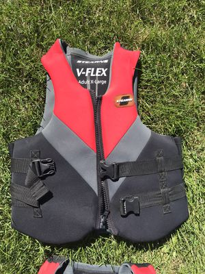 Stearns adult life jackets - 3 Adult Large 1 Adult XL for Sale in Beecher, IL