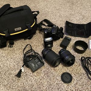 Nikon D5000 for Sale in Milwaukie, OR