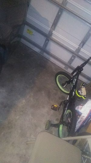 Boy bike for Sale in Poinciana, FL