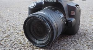 Cannon Eos 5 with flash and lens top of line for Sale in Torrance, CA