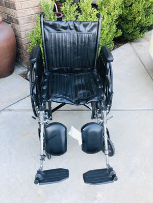 Silver Sport 2 Wheelchair, Detachable Full Arms, Swing Away Footrests and 18 in. Seat for Sale in Rancho Cucamonga, CA