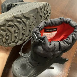 Snow Boots Size 11/12 for Sale in Tempe, AZ