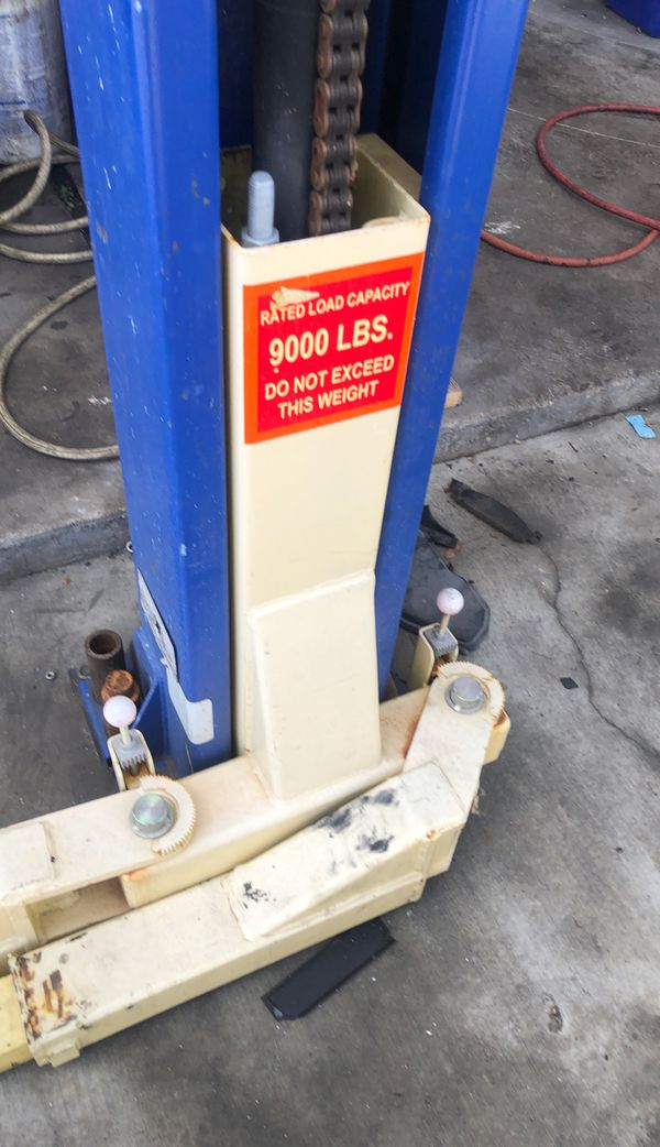 2 post 9000 LBS hoist bought new about 3 years ago