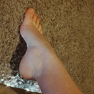 Findom Feet Pics for Sale in Arlington, TX