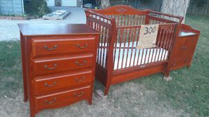 Convertible crib with dresser and changing table (mattress included) for Sale in Evansville, IN