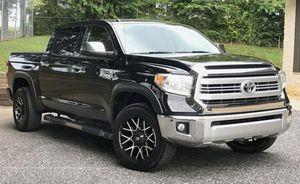 Metallic Black.Toyota Tundra 2014 for Sale in Columbus, OH