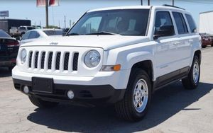 2014 Jeep Patriot Sport Pago Inicial for Sale in Dallas, TX