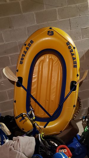 2 person blow up boat with ores for Sale in Yorkville, IL