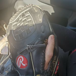 Rawlings left handed baseball glove for Sale in West Covina, CA