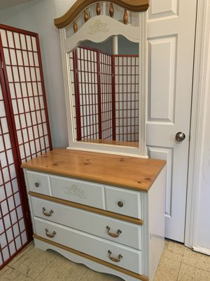 Dresser with Mirror for Sale in Aspen Hill, MD