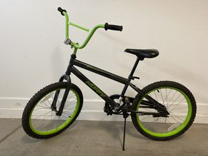 Bike / BMX bike with pegs for Sale in Chandler, AZ