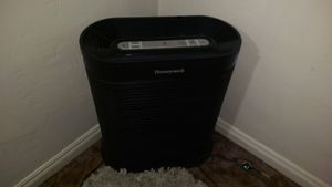 Honeywell HEPA Air Purifier for Sale in Whittier, CA