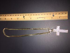Gold block chain w cross pendant for Sale in Dallas, TX
