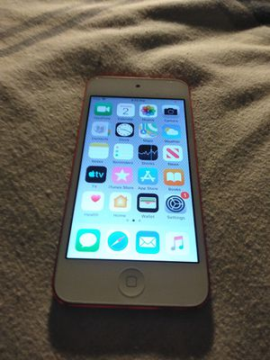 iPod Touch (RED) 6th Gen for Sale in Lubbock, TX