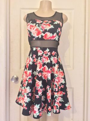 *Black Mesh/Mixed Floral Skater Dress •L for Sale in Carrollton, TX