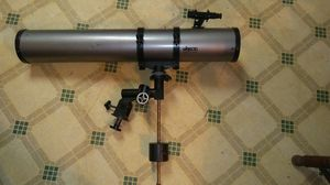 Large Size Refractor Telescope Made by Bushnell, Nice Condition, It's Powerful and doesn't have a Tripod , $80 Princeton WV for Sale in Princeton, WV