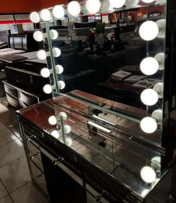 BRAND NEW VANITY MIRROR IMPRESSIONS ONLY ADD MATTRESS AND NEW FURNITURE AVAILABLE K2