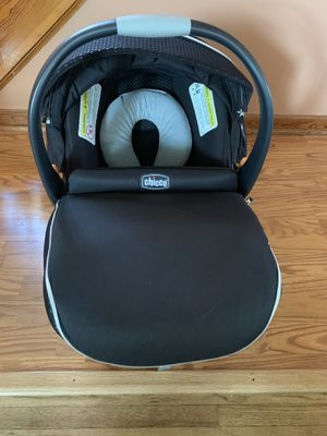 Chicco infant car seat & base for Sale in West Seneca, NY