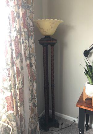 Beautiful floor lamp for Sale in Avon Lake, OH