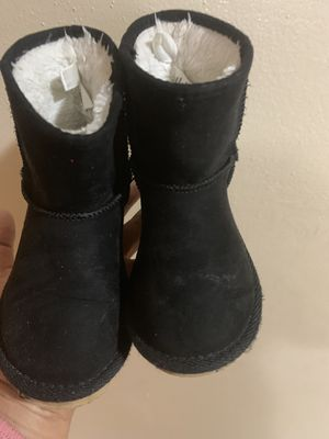 Toddler girl boots for Sale in West Allis, WI