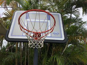 Basketball Hoop for Sale in North Bay Village, FL