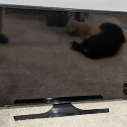 Samsung 65 Inch Smart TV for Sale in Lynnwood,  WA