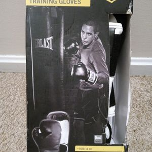 Brand New Everlast Training Gloves for Sale in Columbia, SC