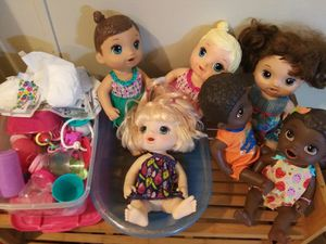 Baby alive, disney princess, finding work. for Sale in Broxton, GA