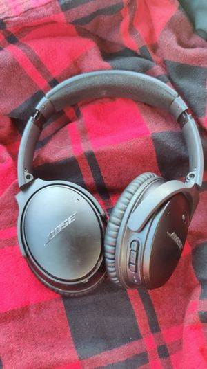 Bose quiet comfort 35 ii like new for Sale in Redding, CA