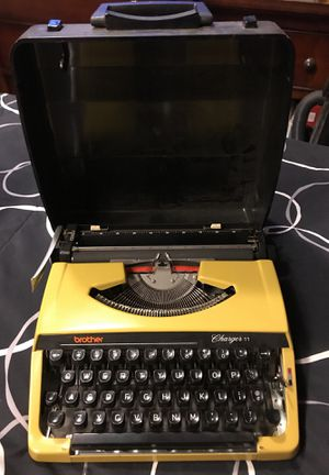Brother Charger 11 Typewriter for Sale in Laguna Beach, CA