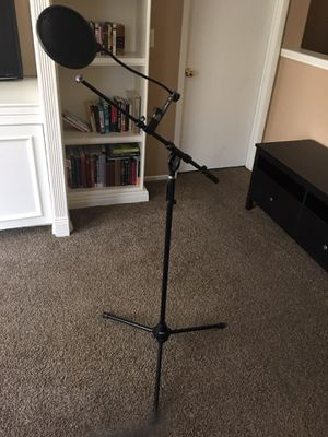 Mic stand (with boom arm and pop filter) for Sale in Henderson, NV