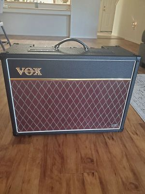 Vox ac15 amp great condition for Sale in Hartford, CT