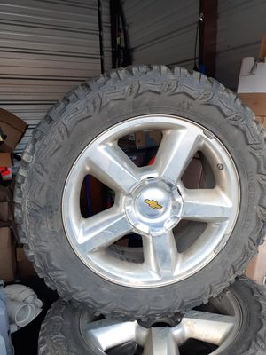 Tahoe 20s, with 33× 12.5 10 ply for Sale in Bentonville, AR