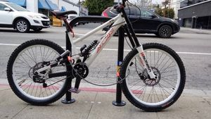 Azonic downhill mountain bike. Fox suspension,we'll taken care of, no issues! for Sale in Los Angeles, CA