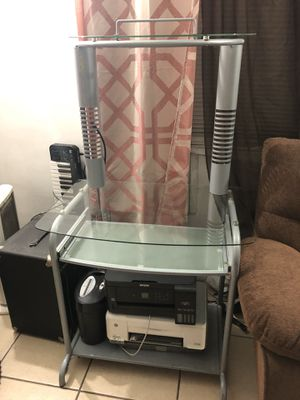 Computer desk for Sale in Hawthorne, CA
