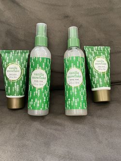 BRAND NEW VANILLA SNOWFLAKE SHIMMER BODY MIST WITH HAND LOTION $3 EACH SET for Sale in Dearborn,  MI