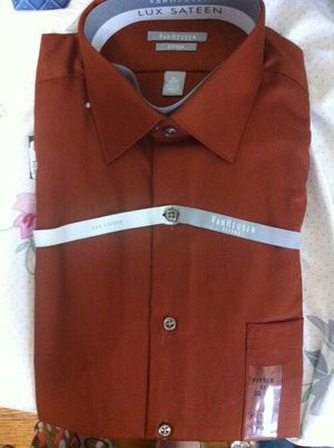 Van Heusen fitted 32/33 for Sale in Pittsburgh, PA
