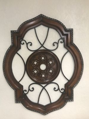 Metal medallion wall decor for Sale in Southwest Ranches, FL