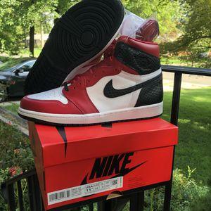 Air jordan 1 Satin Snake chicago 10 Men/11.5W for Sale in Silver Spring, MD