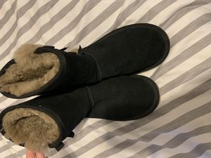 black ugg boots for Sale in Riverview, FL