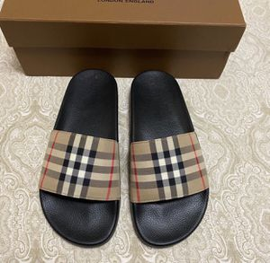 Burberry slides Women size 9 for Sale in Brooklyn, NY